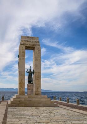 statua sul mare reggio calabria