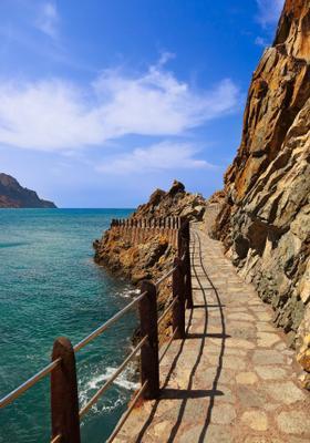 passeggiata costiera a taganana