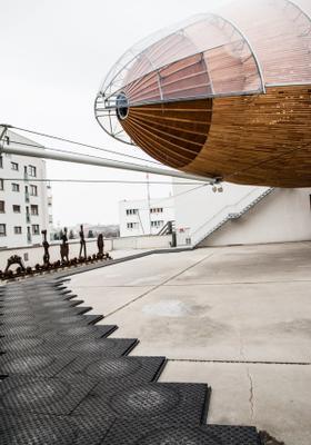 gulliver airship al museo dox a praga
