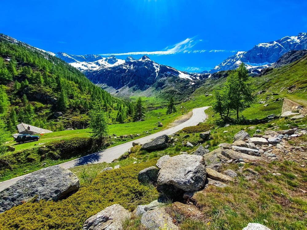 percorso trekking nel parco nazionale del gran paradiso in valle d aosta