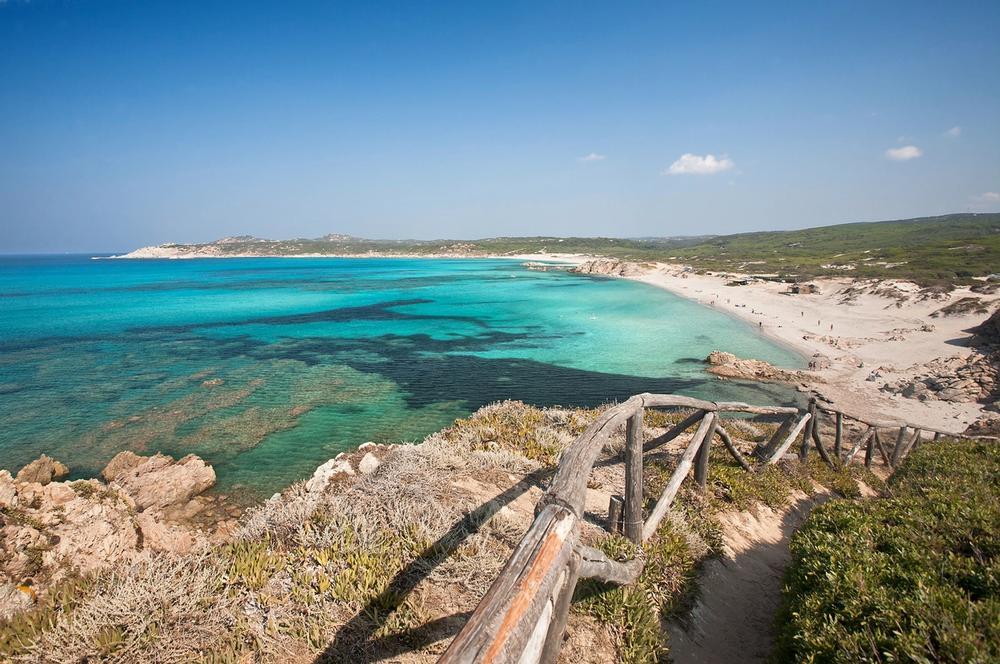 spiaggia di rena majori sardegna