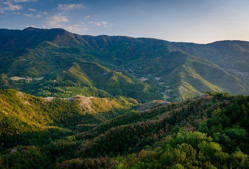 Trekking in Toscana: tra Foreste e Monasteri cover