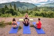 yoga in montagna