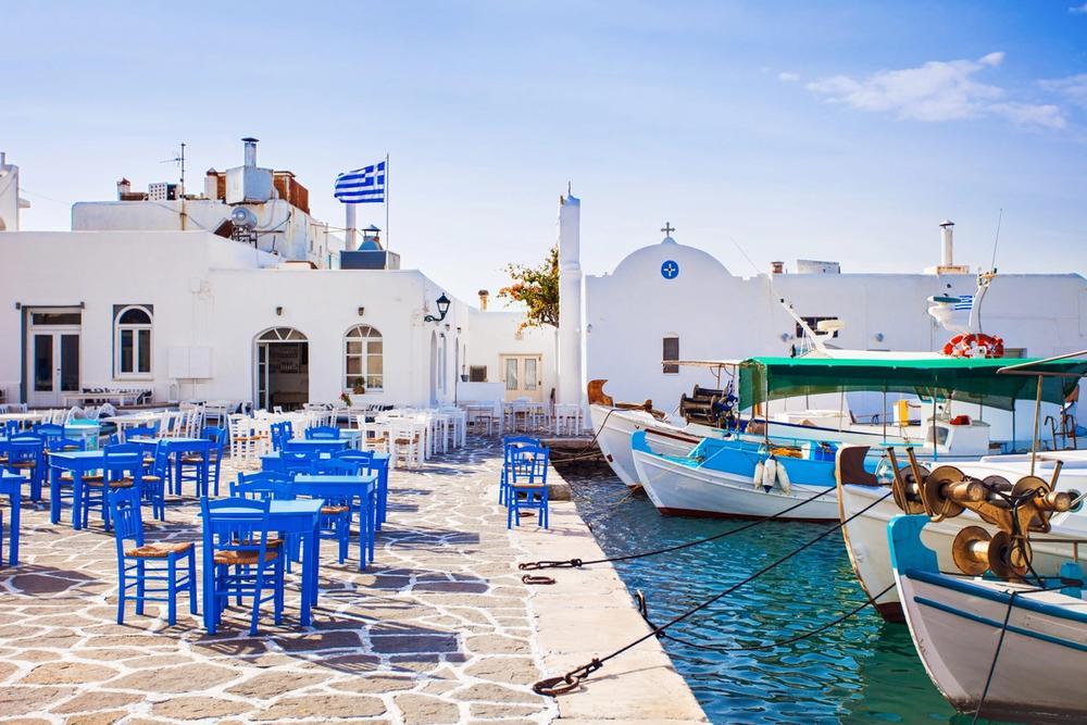 villaggio di naoussa isola di paros in grecia