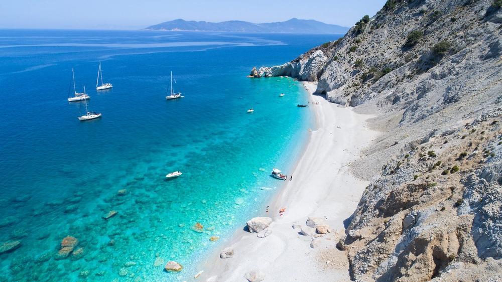 lalaria beach isola di skiathos in grecia