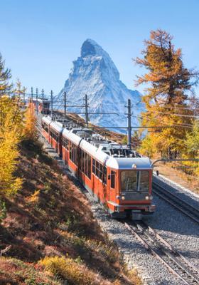 viaggio panoramico su treno rosso in svizzera