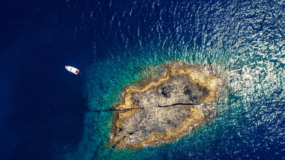 barca isola di zannone lazio