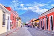 Strade colorate della città di La Antigua