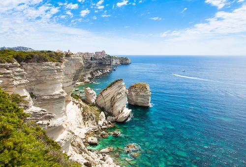 Vacanza in Barca a Vela: Sardegna e Corsica cover