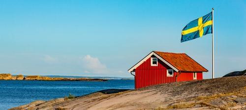 casetta in legno rosso svezia
