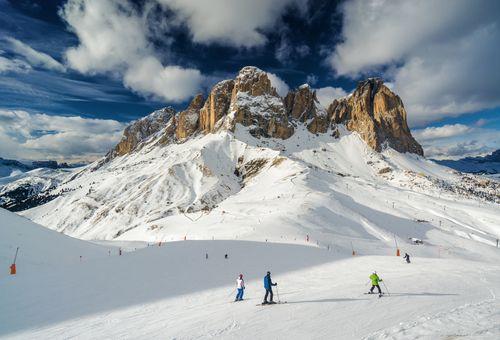 Canazei: Vacanza sulle Dolomiti cover