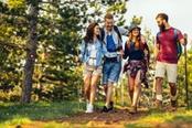 trekking di gruppo per giovani