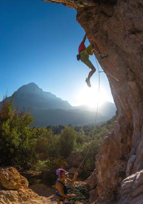 arrampicata sportiva su roccia