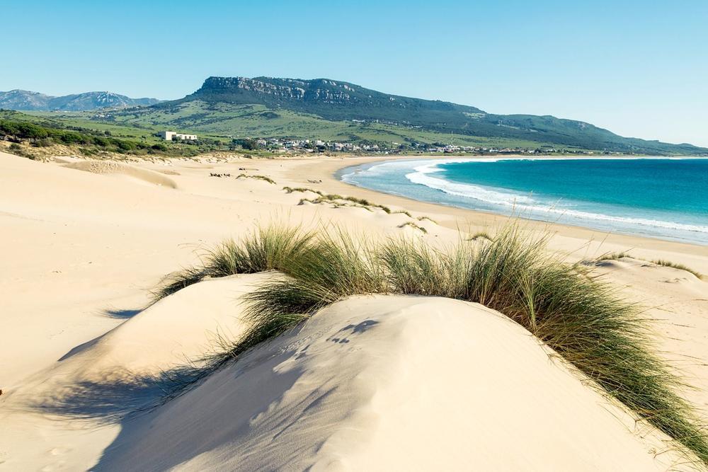 dune di sabbia a playa bolonia cadice