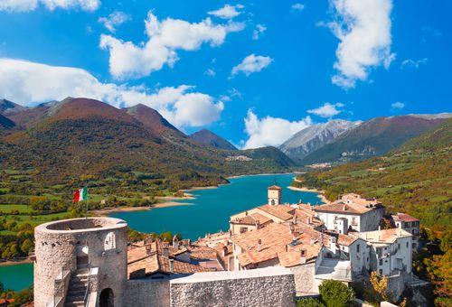 Trekking nei Parchi Nazionali d'Abruzzo cover