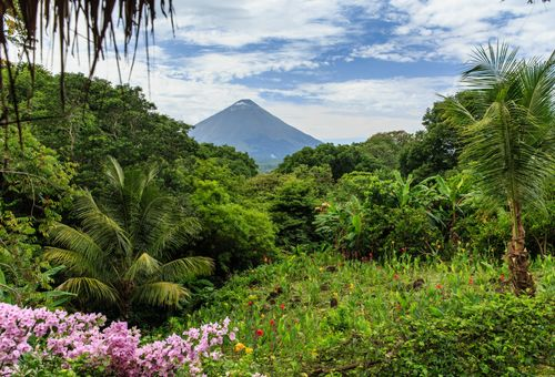 Tour del Nicaragua: Vulcani e Laghi cover