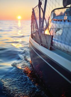 barca al tramonto svezia