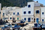 case bianche e blu di marettimo