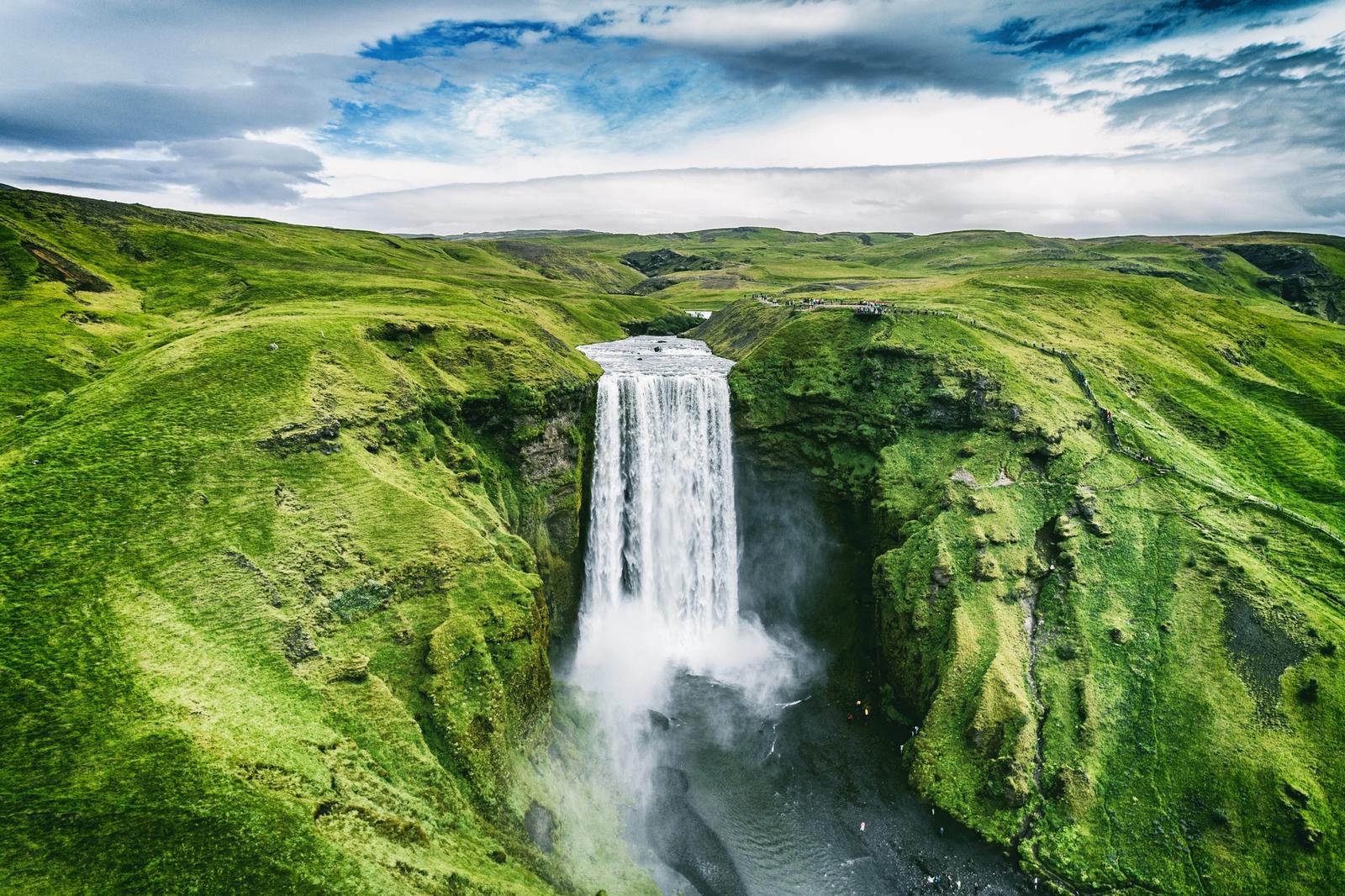 cascata Skogafoss in Islanda