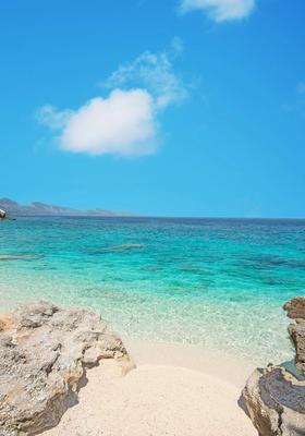 spiaggia di cala mariolu in sardegna