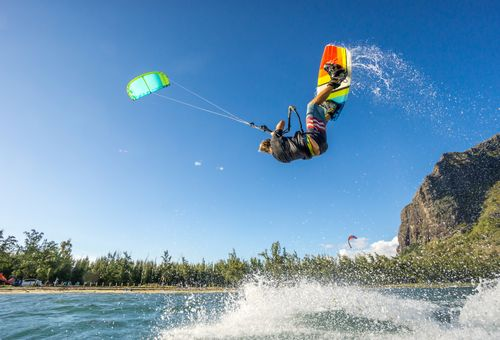 Kitesurf: vento di Sicilia cover