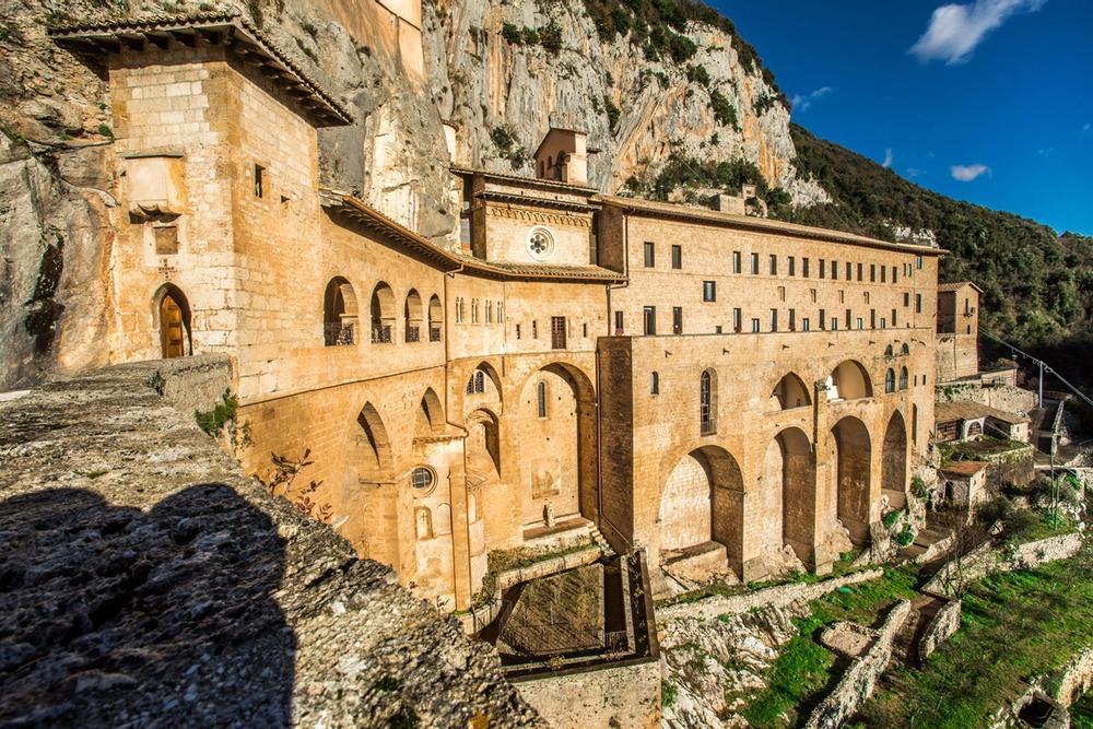 monastero di san benedetto nella roccia a subiaco