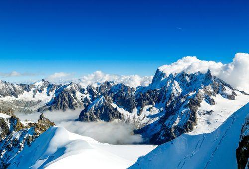 Chamonix: ai piedi del Monte Bianco cover