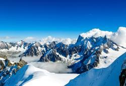 monte bianco ricoperto di neve