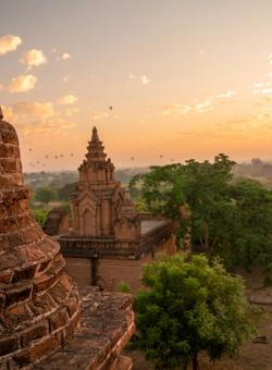 templi di bagan al tramonto