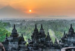 Tramonto in Indonesia