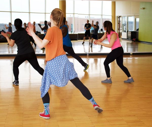 A group of girls in a dance class