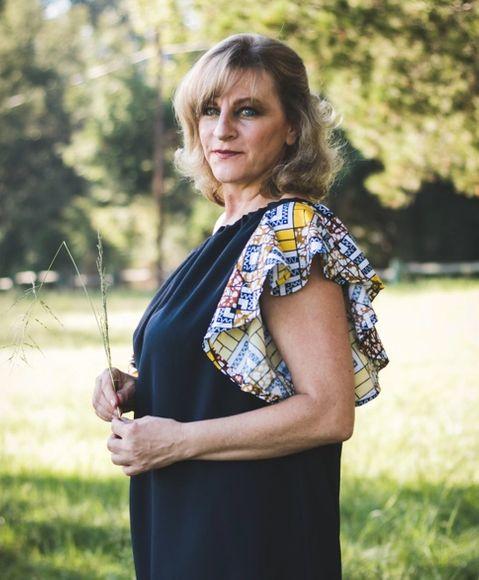woman outdoor, menopause sweat