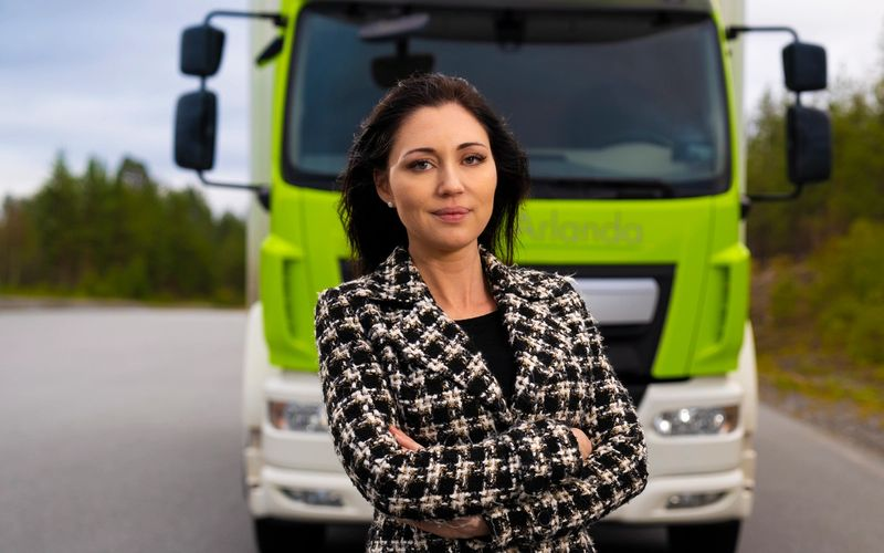 She will take Swedish electric roads out into the world