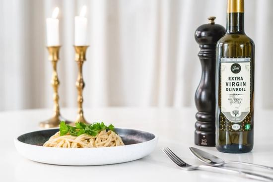 Spaghetti m. hvidløg og olivenolie