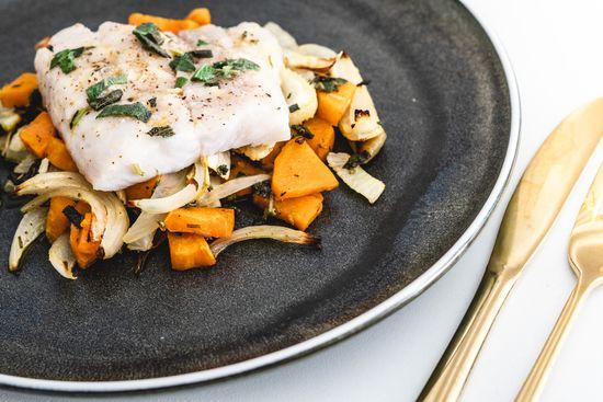 Kulmulle med salviesmør, fennikel og søde kartofler
