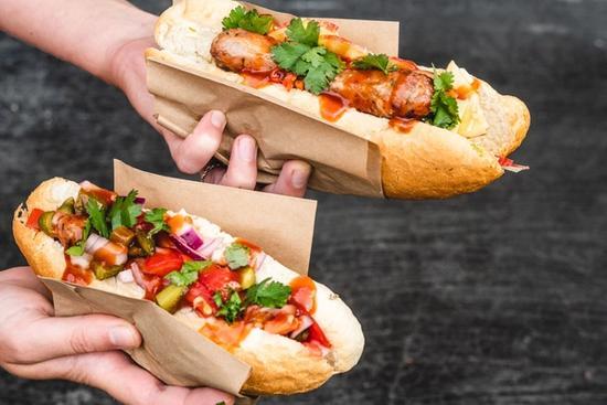 Perro caliente (hotdogs)