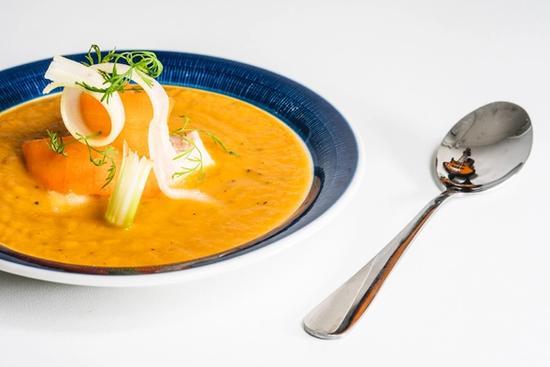 Torsk i gulerodssuppe