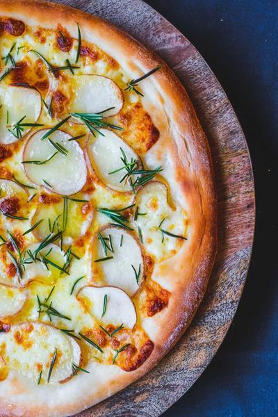 Kartoffelpizza med rosmarin