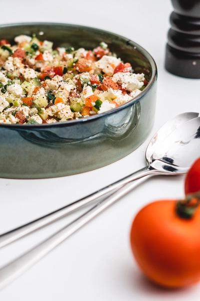 Hurtig salat med agurk, tomat og feta
