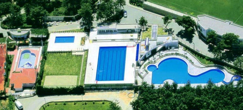 Sportcomplex met openluchtzwembaden in Medjugorje