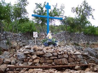 Het Blauwe Kruis links is het oudste