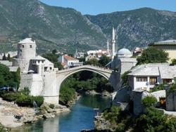 De Stari Most of Oude Brug in Mostar