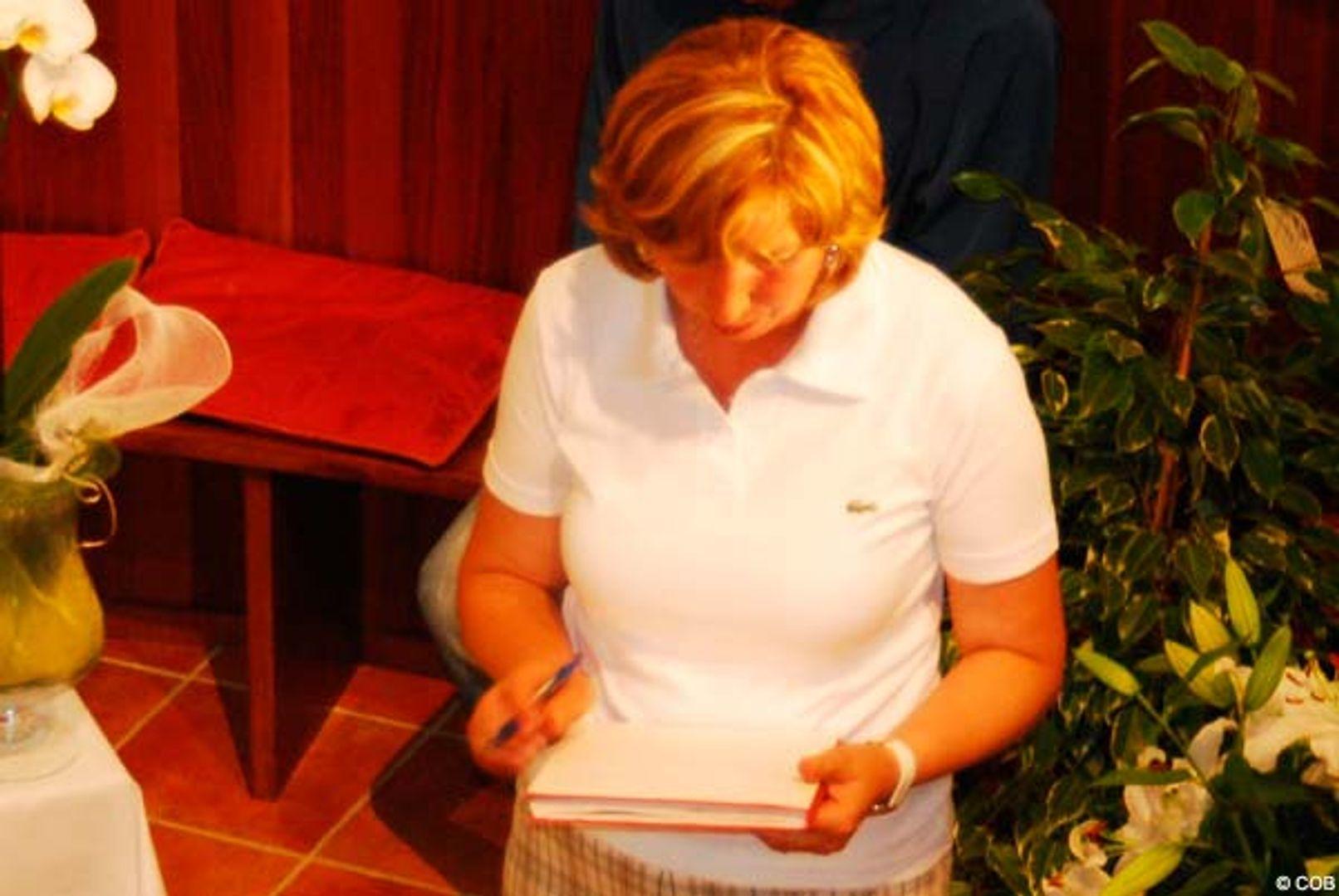 Marija Pavlovic leest de nieuw ontvangen Boodschap voor