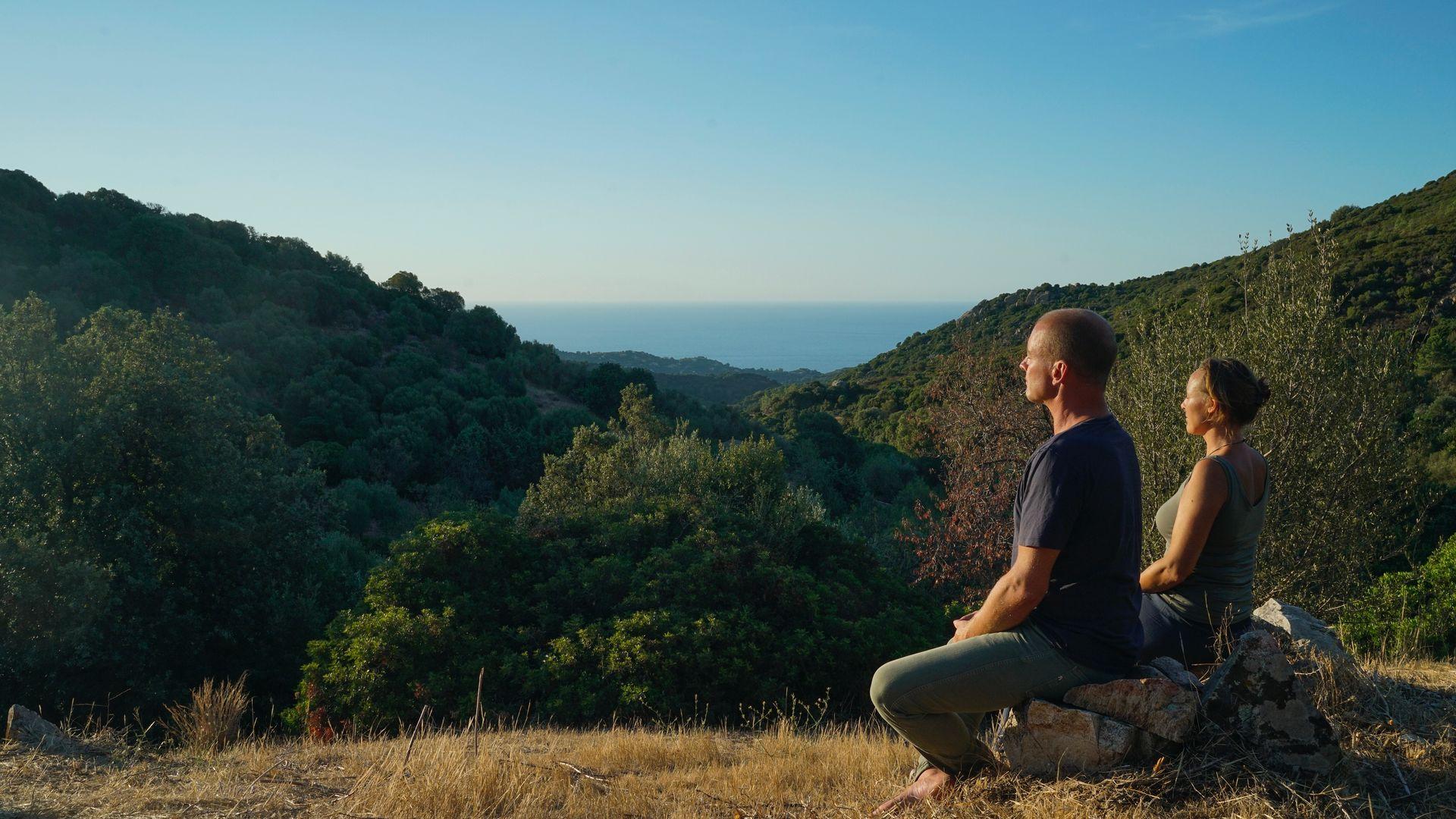 Retreat into nature - header