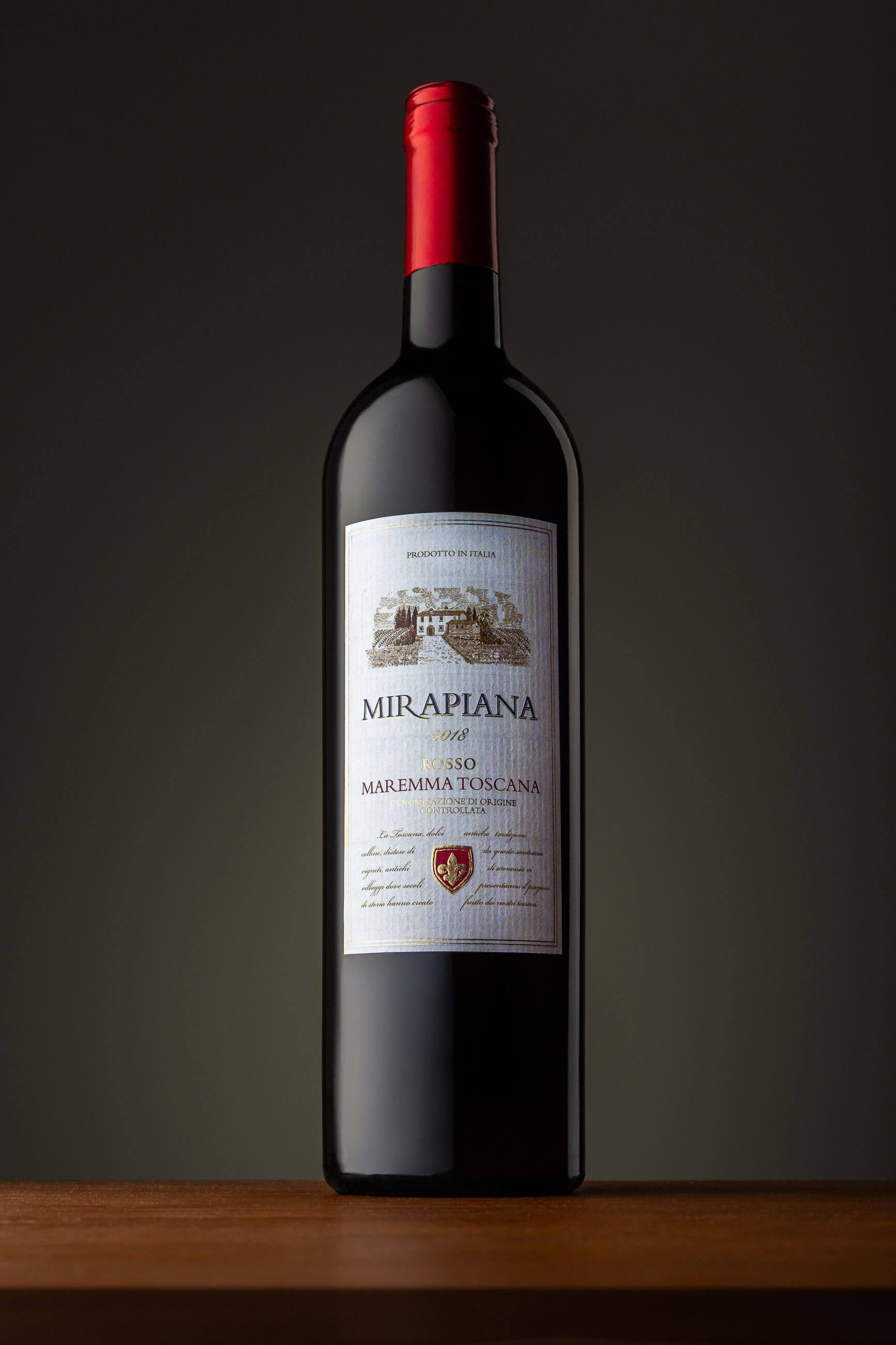 Zdjęcie butelka wina z produktowej sesji zdjęciowej