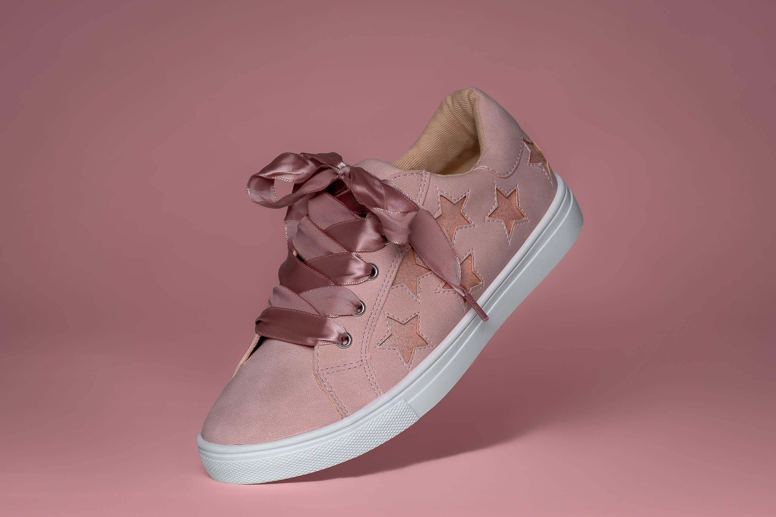 Zdjęcie produktowe różowych butów