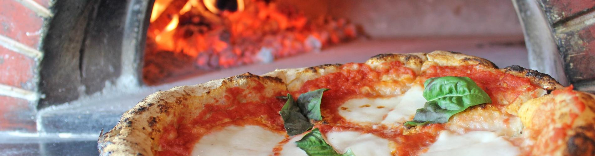 Hot Neapolitan Pizza - Tampa Bay Area