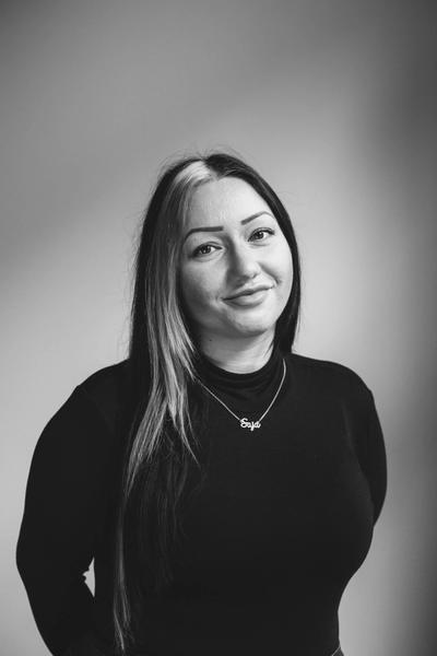Melanie Neumeyer ist geprüfte Rechtsfachwirtin und verantwortet die Bereiche Sozialrecht, Arbeitsrecht und Steuerrecht.