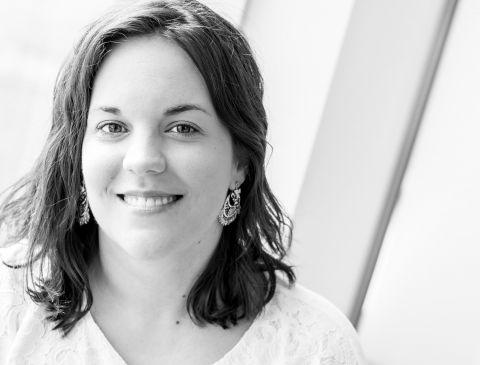 Photo du Docteure Mélinda Paris, spécialiste en chirurgie buccale & maxillo-faciale pour la clinique de Maxillo Québec.