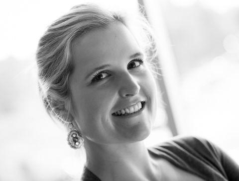 Photo du Docteure Christine Sauvé, spécialiste en chirurgie buccale & maxillo-faciale pour la clinique Maxillo Québec.